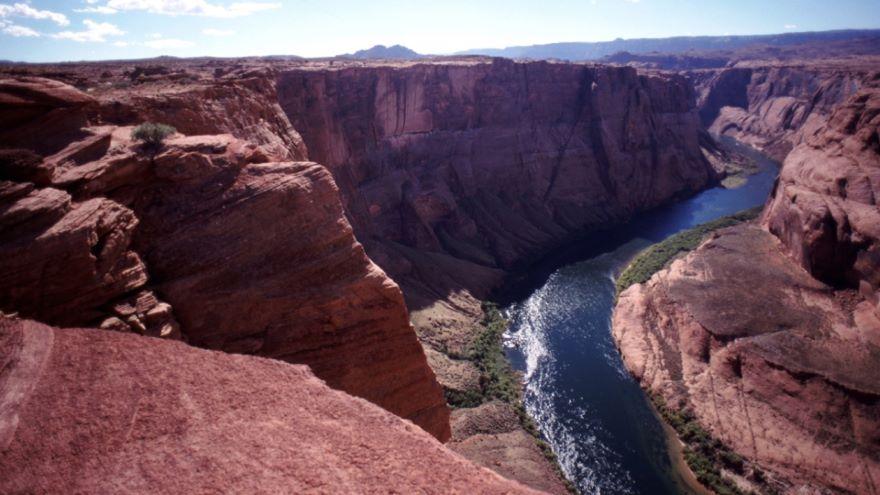 Stream Erosion in Arid Regions