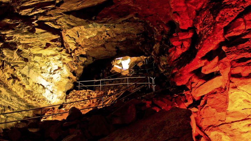 Mammoth Cave, Wind Cave, Carlsbad Caverns