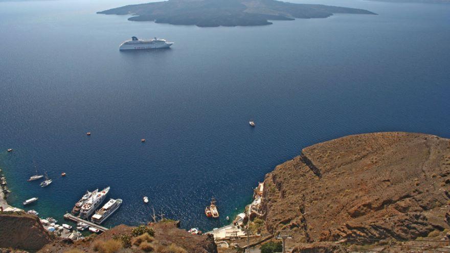 Santorini-Impact of Volcanic Eruptions
