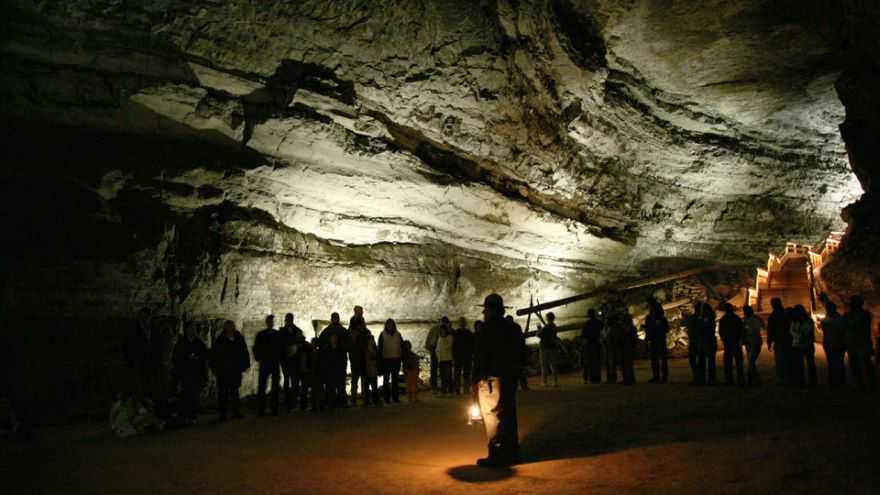 Mammoth Cave-Worlds Underground