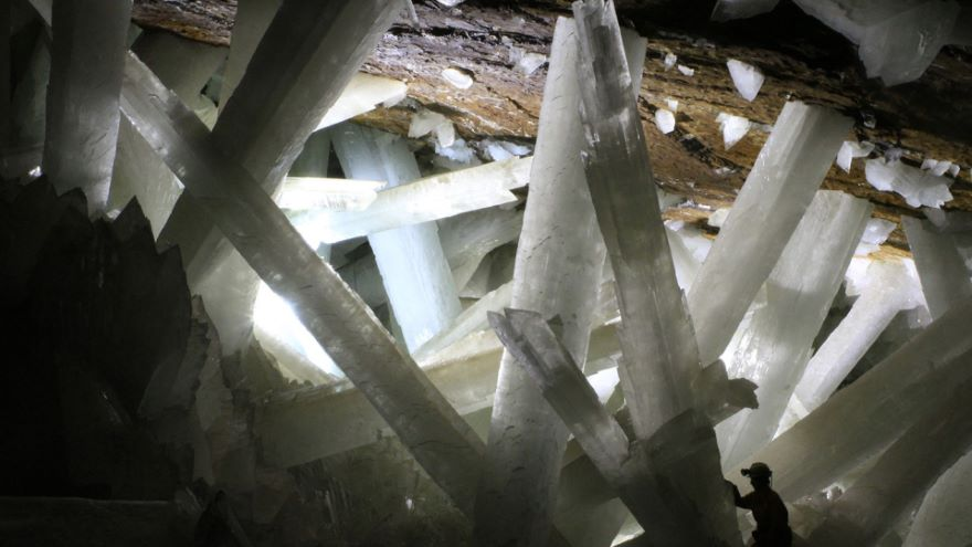 Cave of Crystals-Exquisite Caves