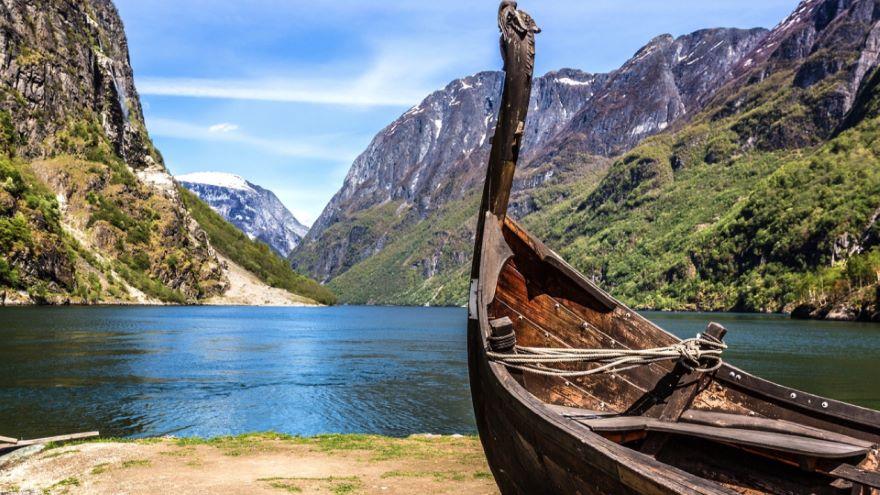 Ancient Navigation: Polynesian to Viking