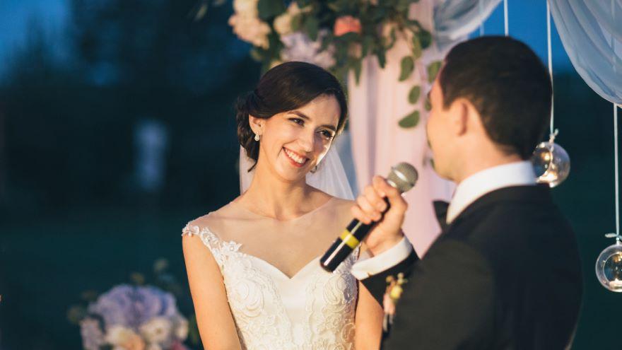 Making a Celebratory Speech