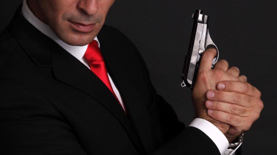 James Bond-A Dangerous Protector