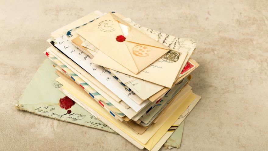 The Epistolary Essay: Letters to the World