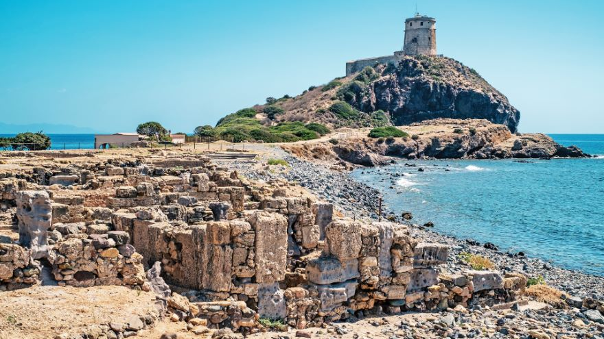Indefinite Pronouns, Ci, and Ne / Sardinia