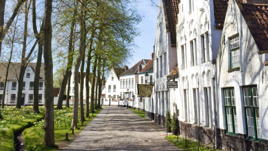 Bruges-Commerce and Community
