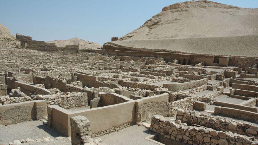 Work and Life at Deir el-Medina