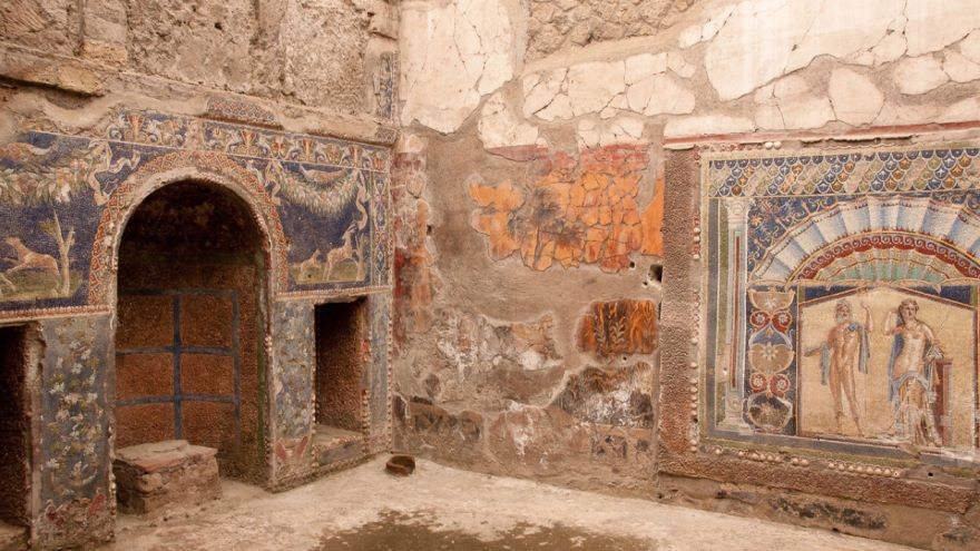 Reflections on and of Pompeii