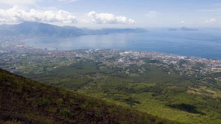 Geology and Geography on the Bay of Naples