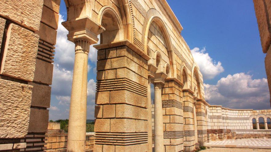 Barbarian Gate: Adrianople-378, Pliska-811