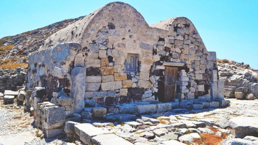 Being Minoan and Mycenaean