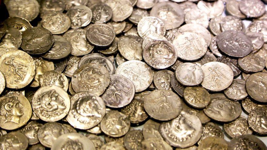 Being a Rich Roman