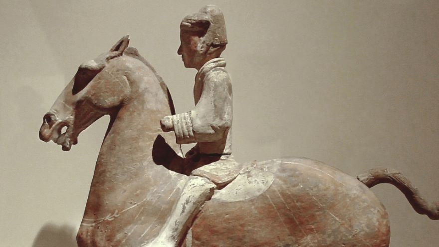 The Han Emperors and Xiongnu at War