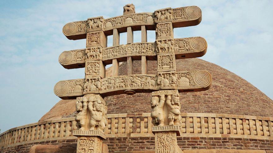 Kushans, Sacae, and the Silk Road
