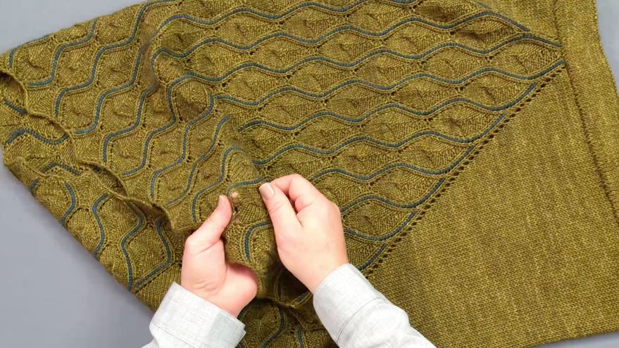 Module 4 - Lesson 5: Vertically Stranded Colorwork & Lace