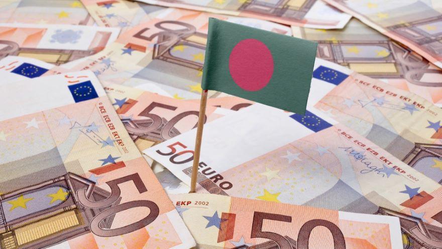 Local Currencies and Nonstandard Banks