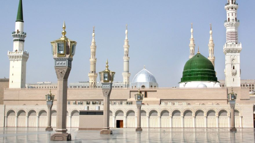 From Mecca to Medina: The Revelation Transforms