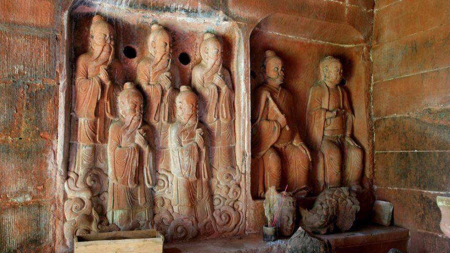 The Three Caverns of Daoist Scriptures