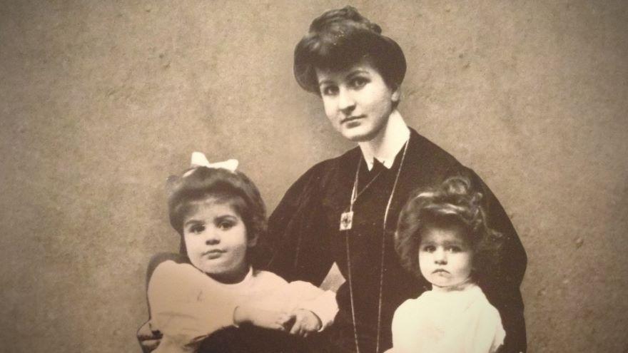 Family Life and Symphony No. 5