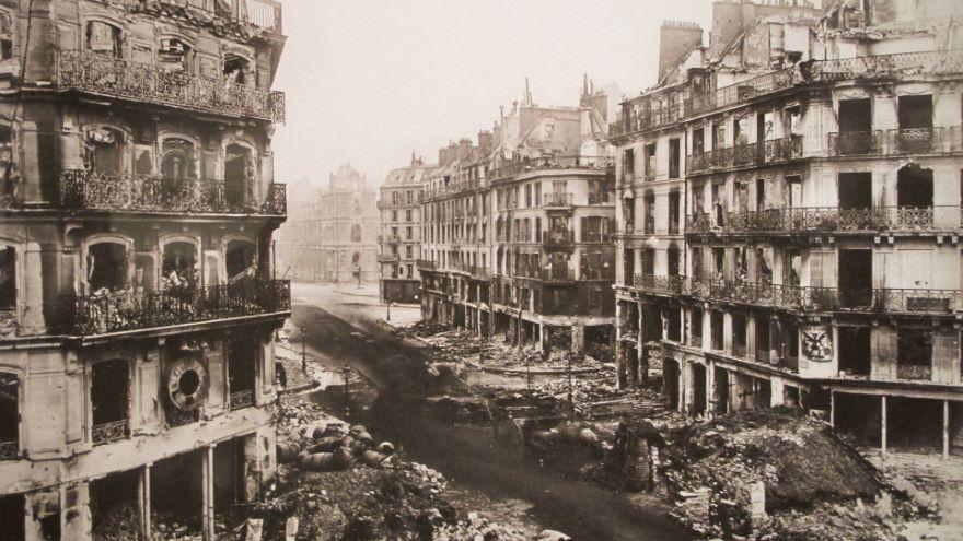 The 1871 Paris Commune as a Model of Revolt