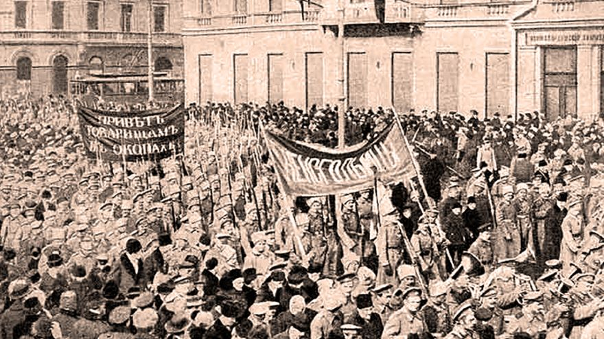 Russian Radicals, War, and Revolution
