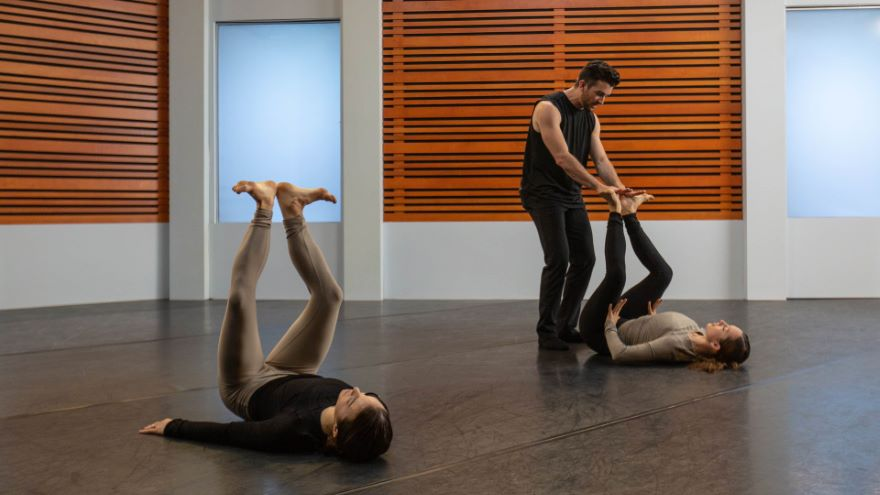 Exploring Movement in Contemporary Dance - Contemporary Warm-Up