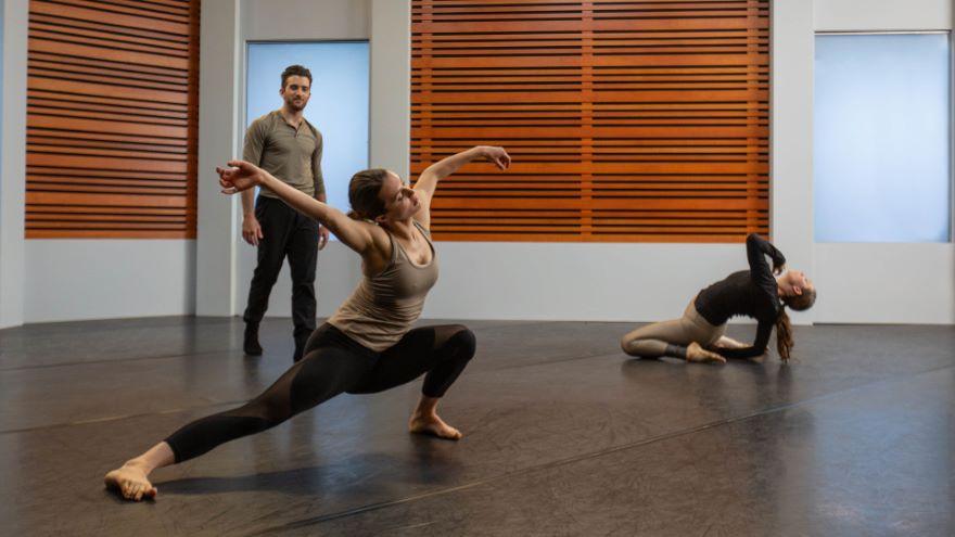Exploring Movement in Contemporary Dance - Improvisation Technique