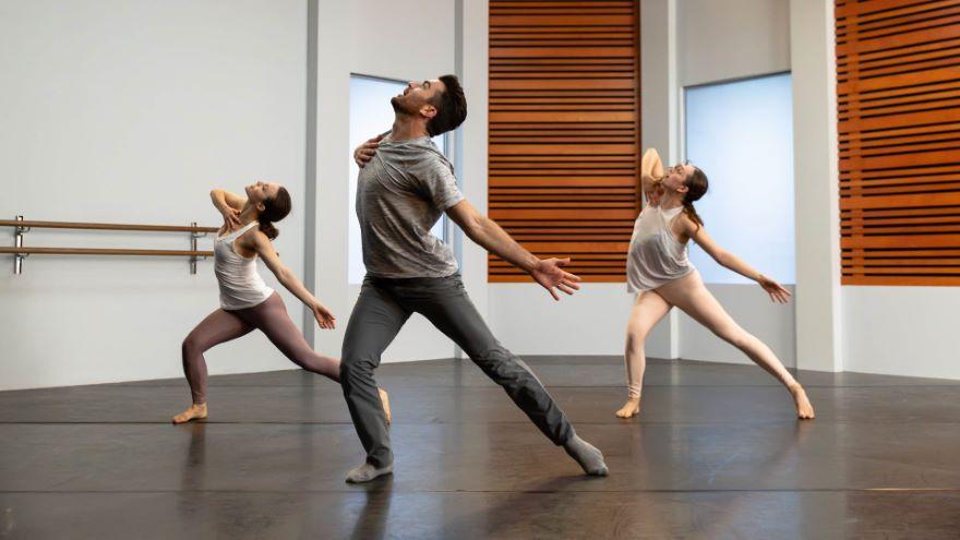 Exploring Movement in Contemporary Dance - Contemporary Combo Part 1