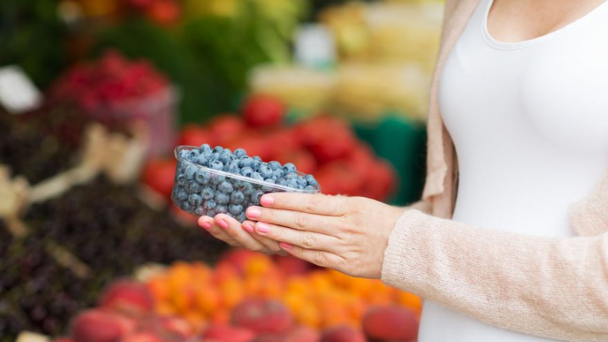 Eating, Antioxidants, and the Microbiome