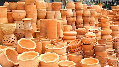 Unusual Pots, Vertical Spaces, Shade Design